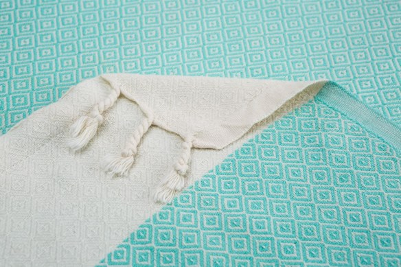 Arta Ahura Supersoft diamonds towel detail